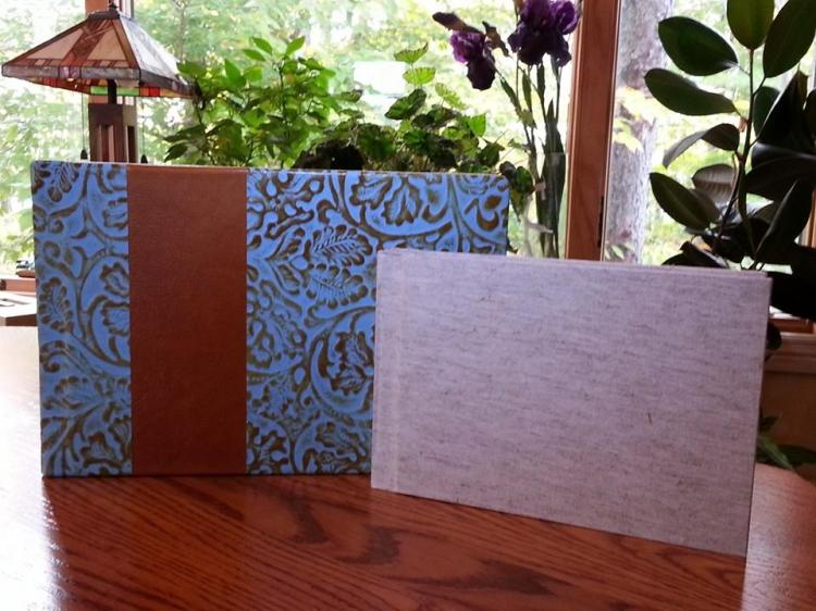 Customer submitted photo of a flush mount ONE bridal album with an accompanying playBOOK.